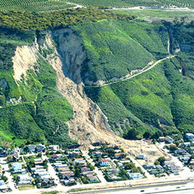 http://www.neighborhoodlink.com/images/Debris_Flow_Mudslide/calandslide.jpg